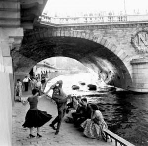 Paul Almasy, Rocknroll sur les quais de Paris1